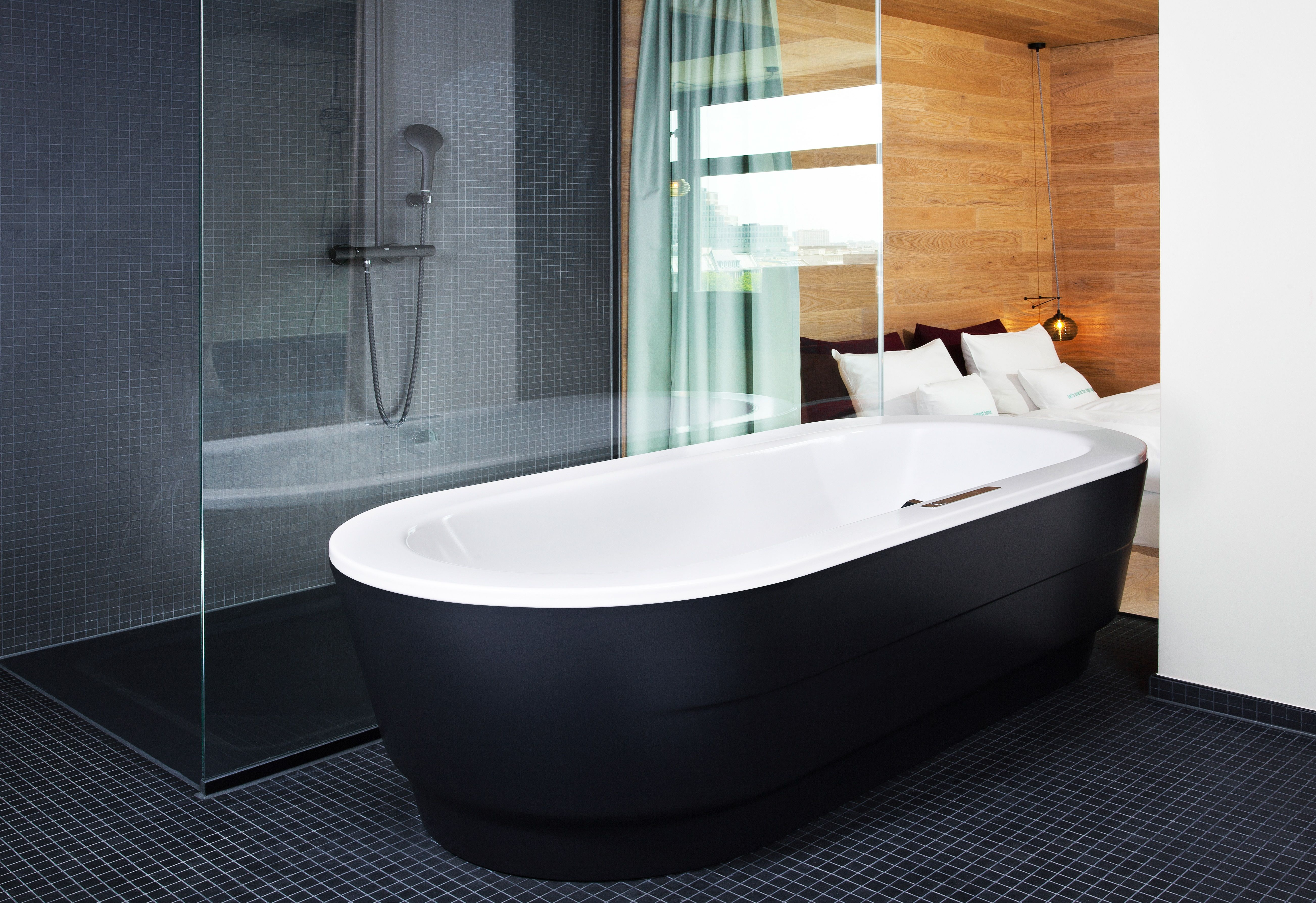 Kaldewei Offers Bath, Shower And Whirlpool Tub In The Avantgarde