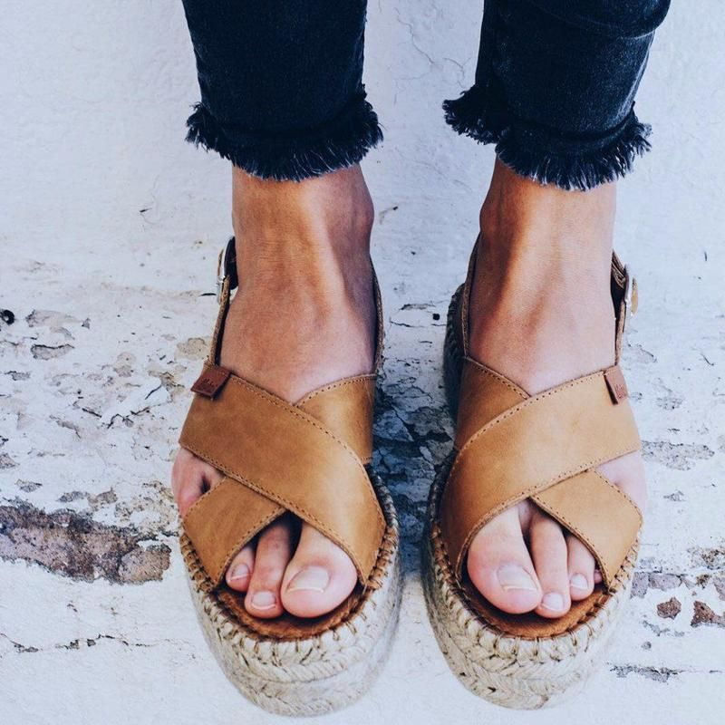 d0be3075a72 Crossed Camel - Alohas Sandals