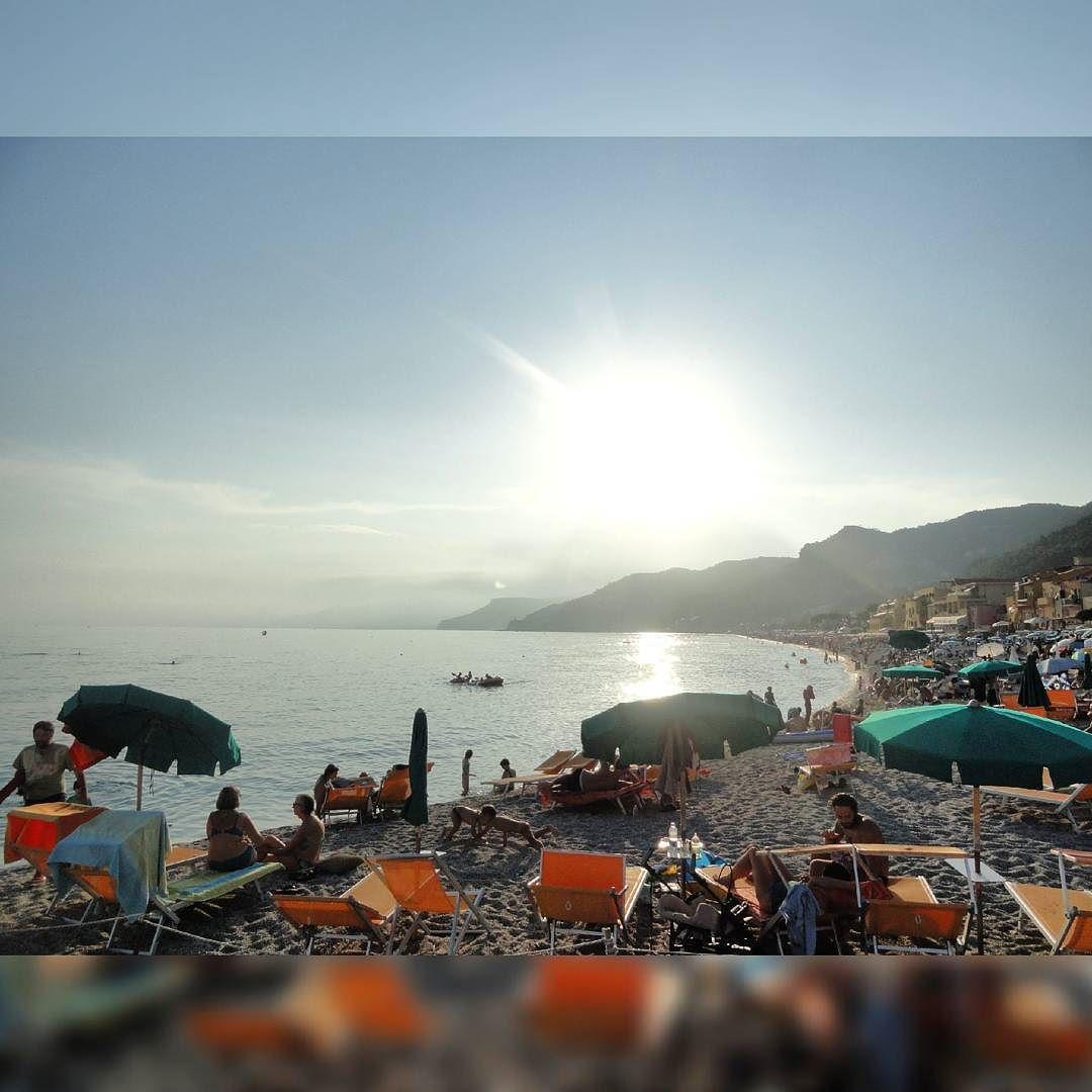 Já sinto saudades do verão!  #varigotti #liguria #italy #europe #viagemdefotos #peloscantosdomundo by peloscantosdomundo