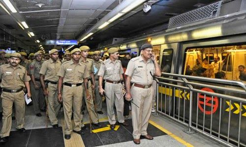 Bomb Threat On The Delhi Metro Was A Hoax Delhi Metro Metro Station Man