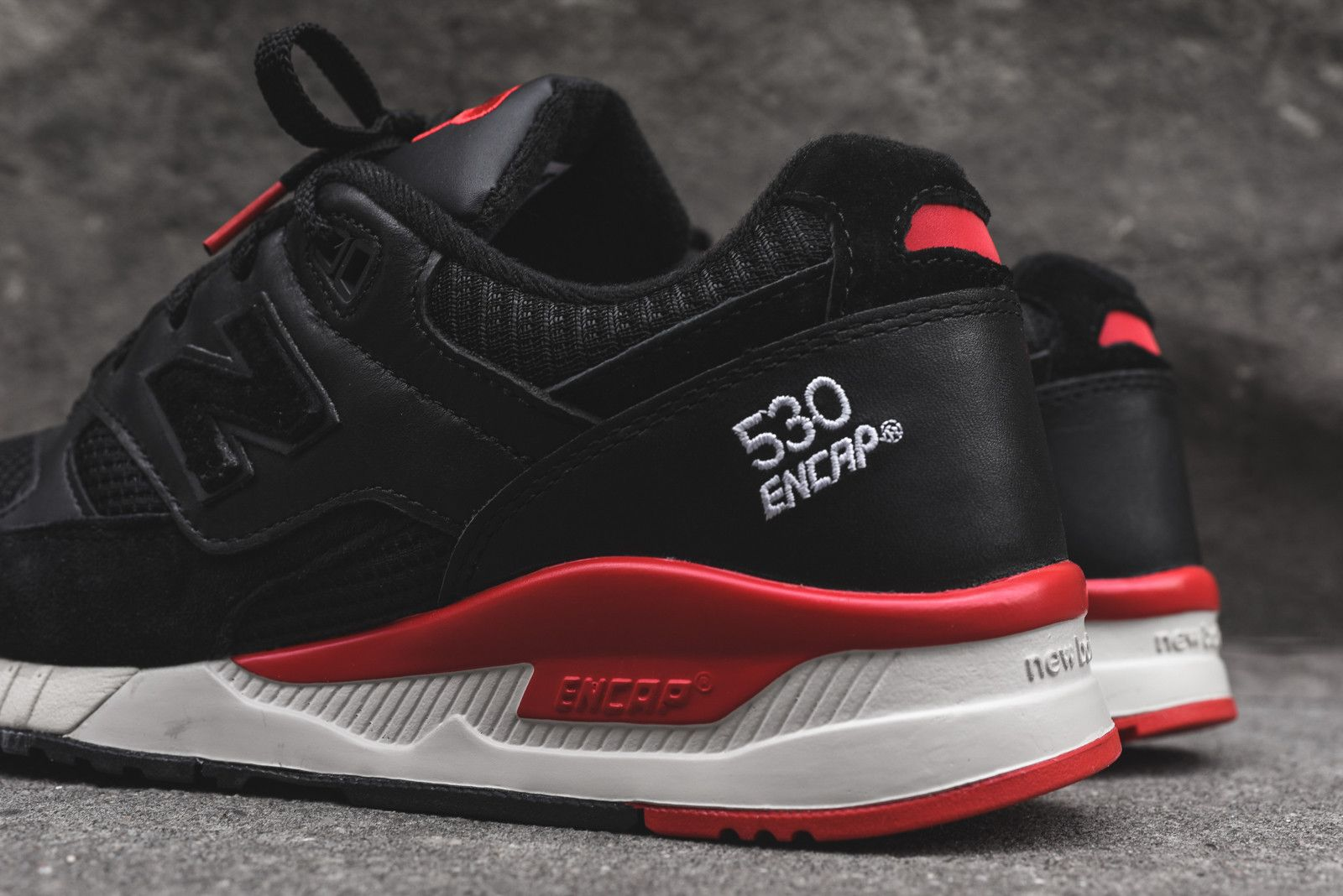 sports shoes 07ea7 98392 New Balance M530 - Black / Red   Things to Wear   Sneakers ...