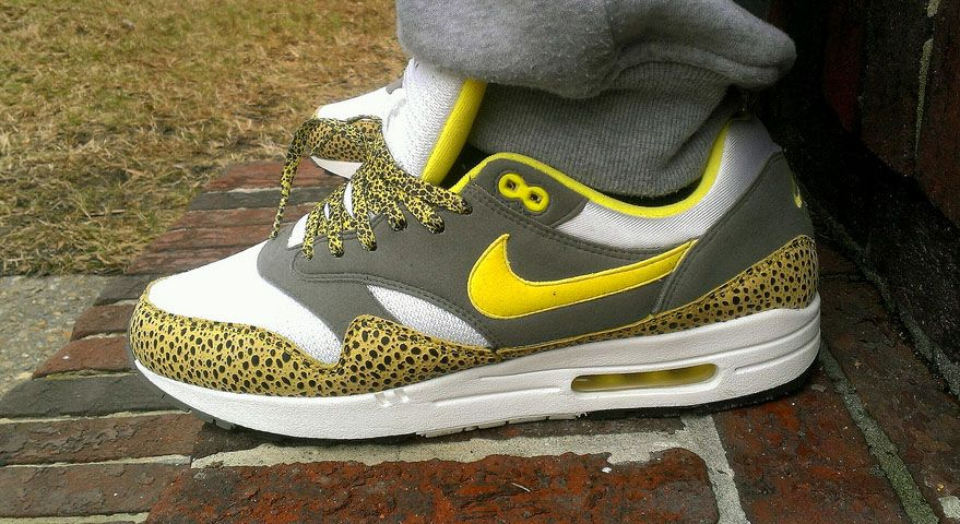 Ruina nativo Anfibio  Mr. Swoosh wearing the Nike Air Max 1 Yellow Safari | Nike air max ...