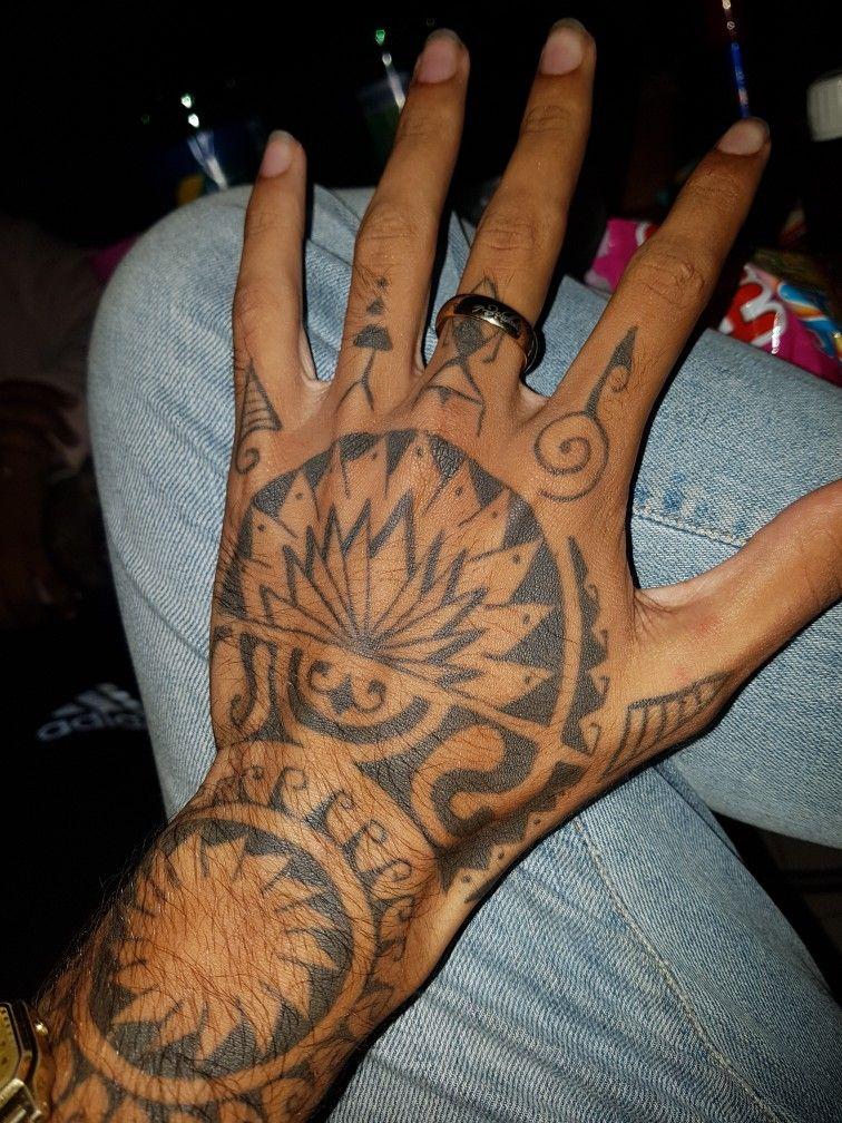 Polynesian tattoo Hand | tattoo | Tatouage, Tatouage marquisien ...