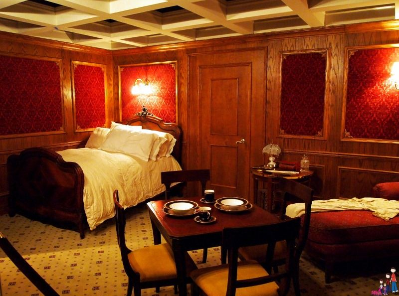 A recreated first class cabin on the titanic union Who was on the titanic in first class