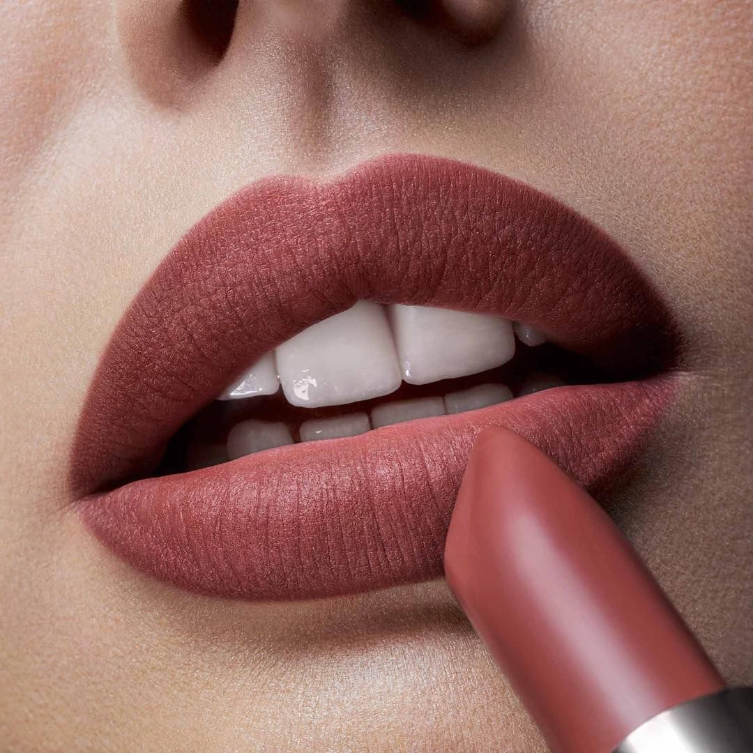 Loreal color caresse by color rich lipstick - Mahogany Studs From Loreal Color Riche Matte Addiction Collection Colorriche