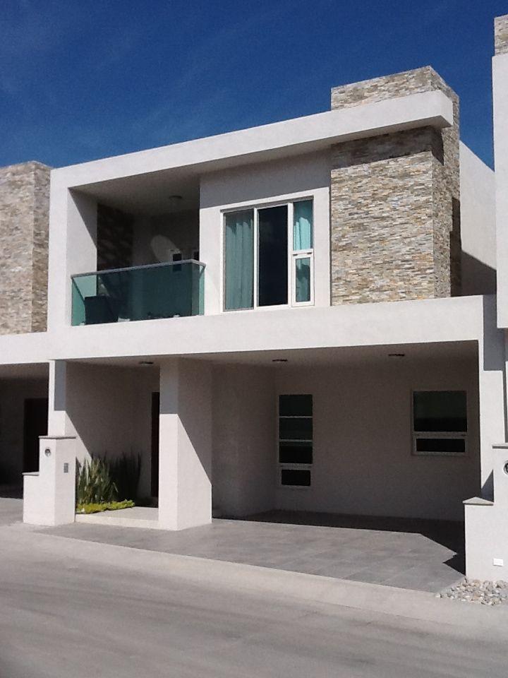 Mty Monclova Conoce Nuestro Modelo Roble En Nuestro Fracc Residencial Rincon De San Patricio Casas Fachadas Casas Minimalistas Planos De Casas