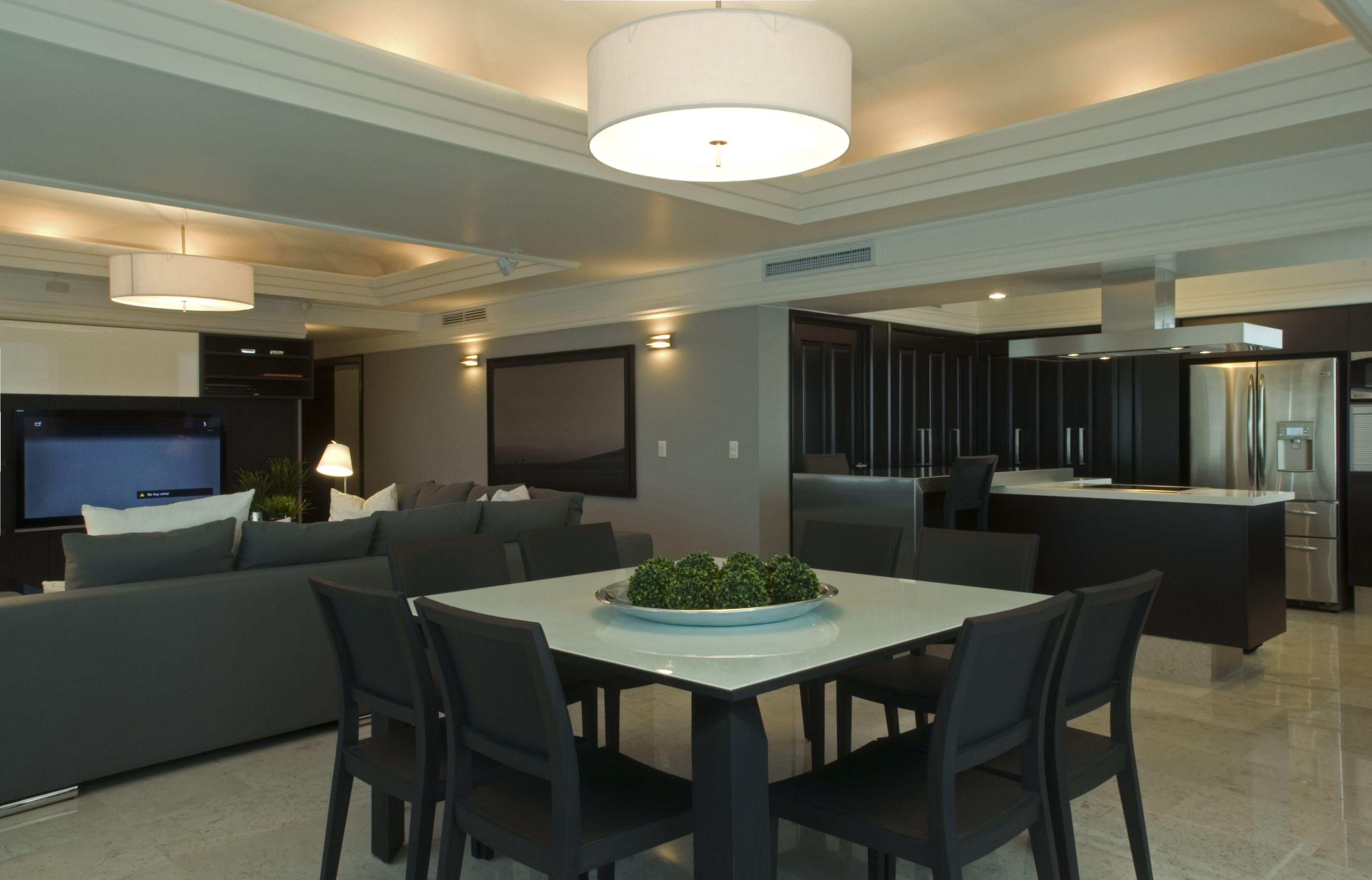 Departamento moderno elegante victoria plasencia for Departamentos modernos interiores