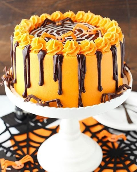 Chocolate Cake With Spiderweb Icing via @feedfeed on   - cupcake decorating for halloween