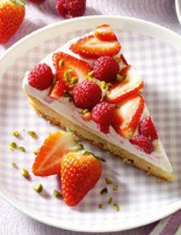 Ganz schön fruchtig: Erdbeer-Himbeer-Torte http://kochen.gofeminin.de/rezepte/rezept_erdbeer-himbeertorte-sommertraum_309426.aspx