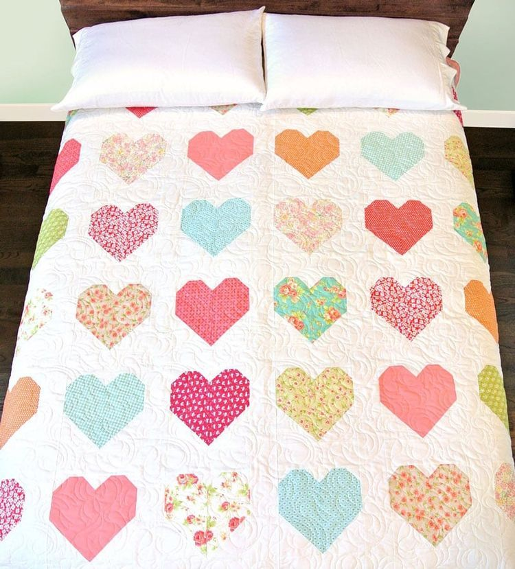 Heart Quilt Tutorial (Suzy Quilts) | Edredones, Colchas y Costura