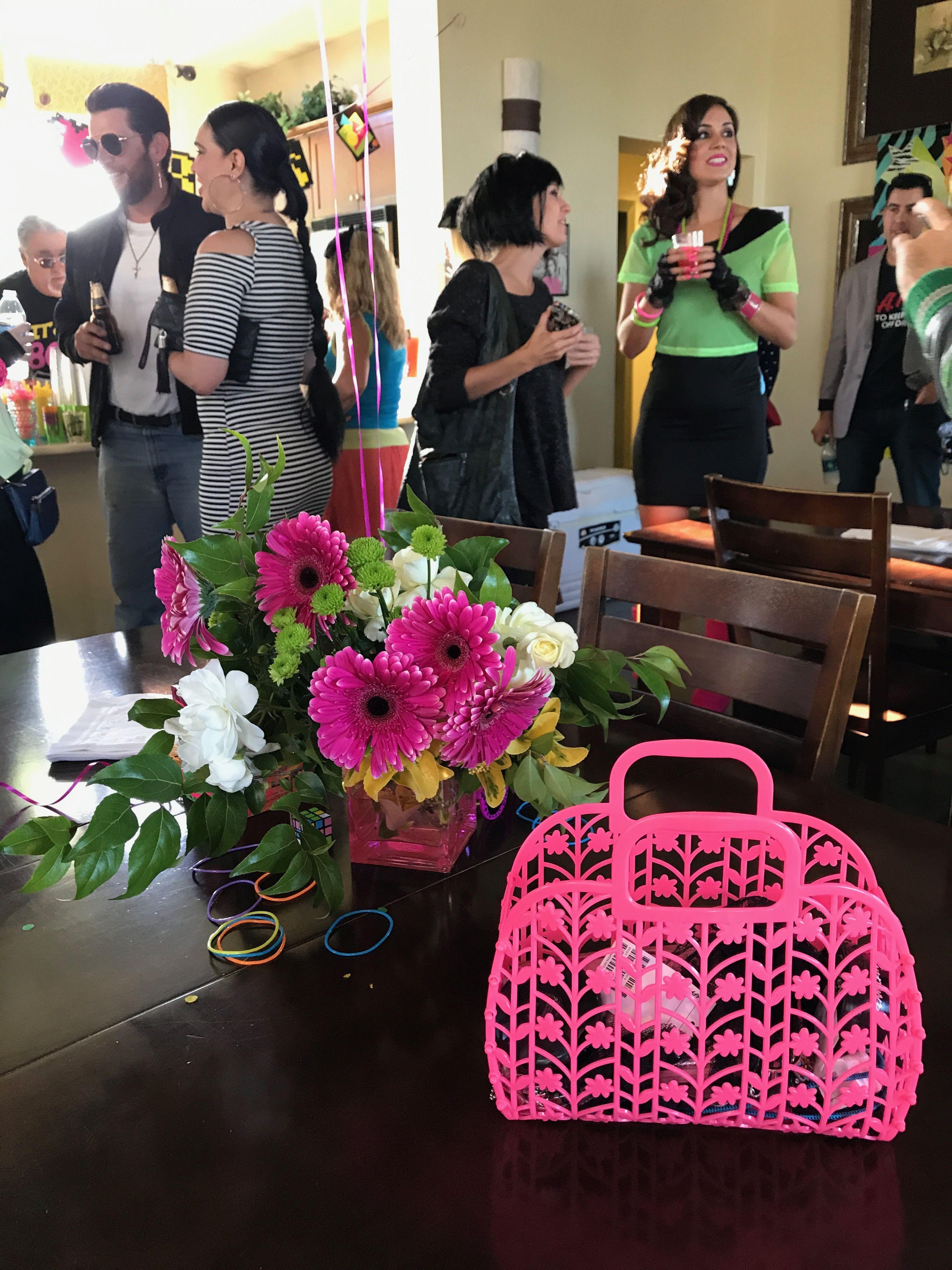f8f2d8fefe3b Pin by Melissa Salomon on Flower arrangements
