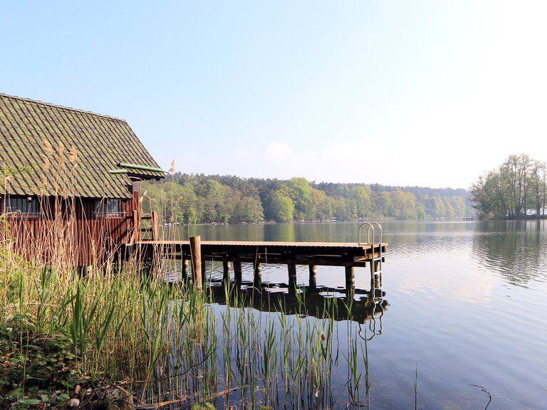 Hausboot Hafenkönig Ferien am Wasser Ferienhaus am see