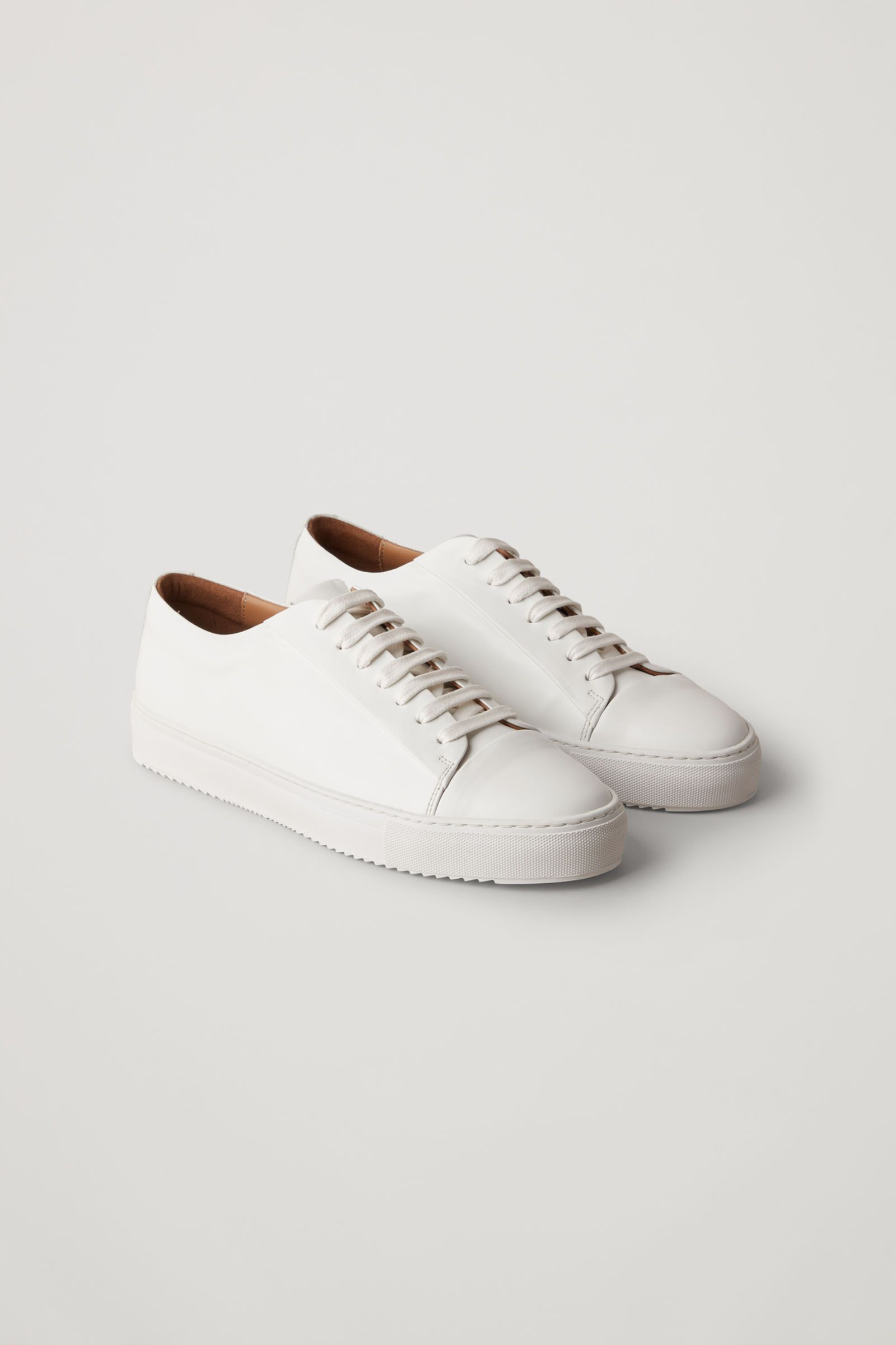 THICK-SOLED LEATHER SNEAKERS in 2020