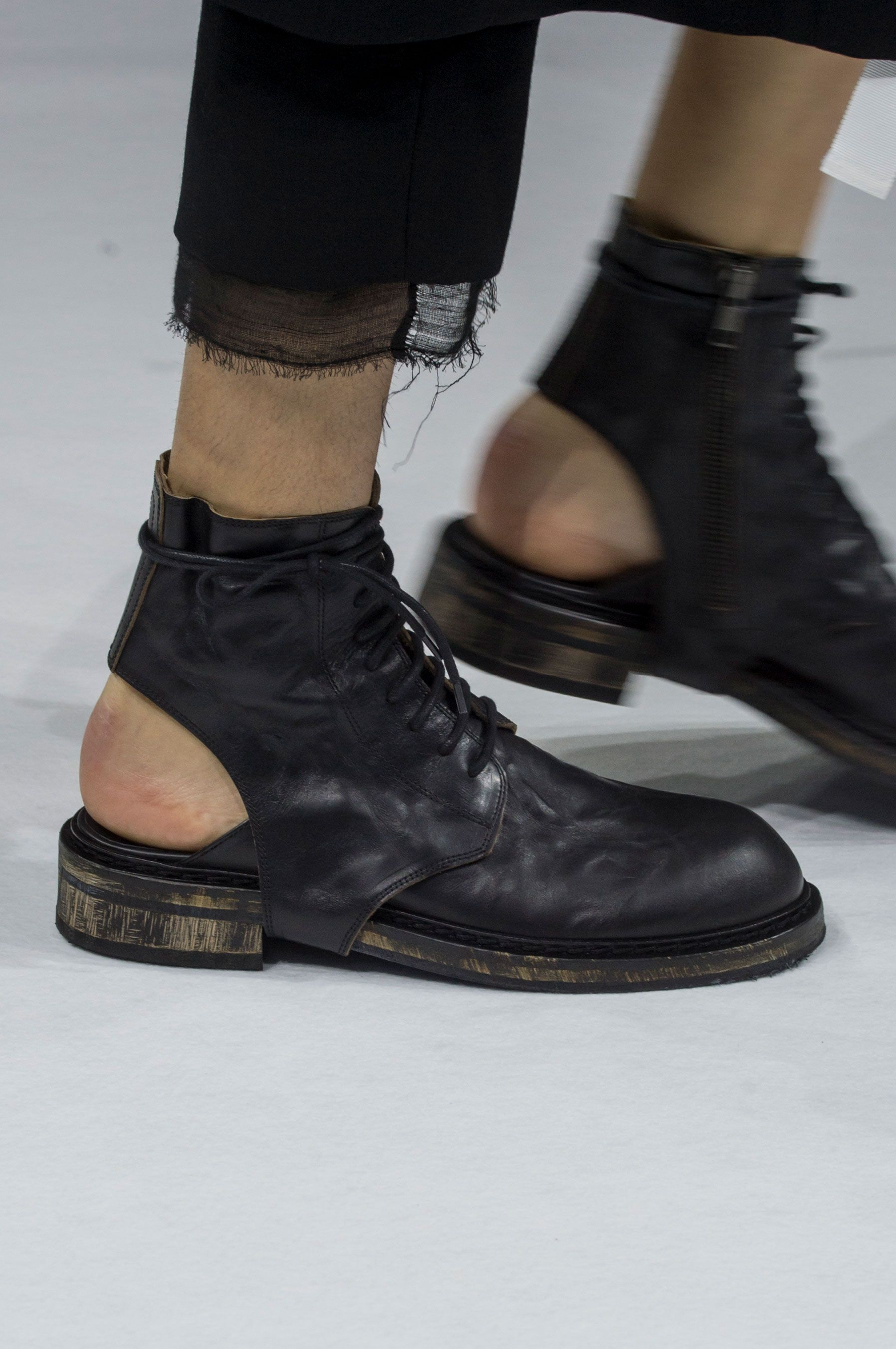 7733fb4d206 Ann Demeulemeester | Spring 2017 Details – The Impression | Wearable ...