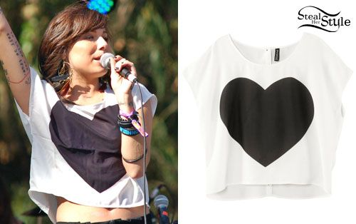 I just decided I want to make a black heart top.
