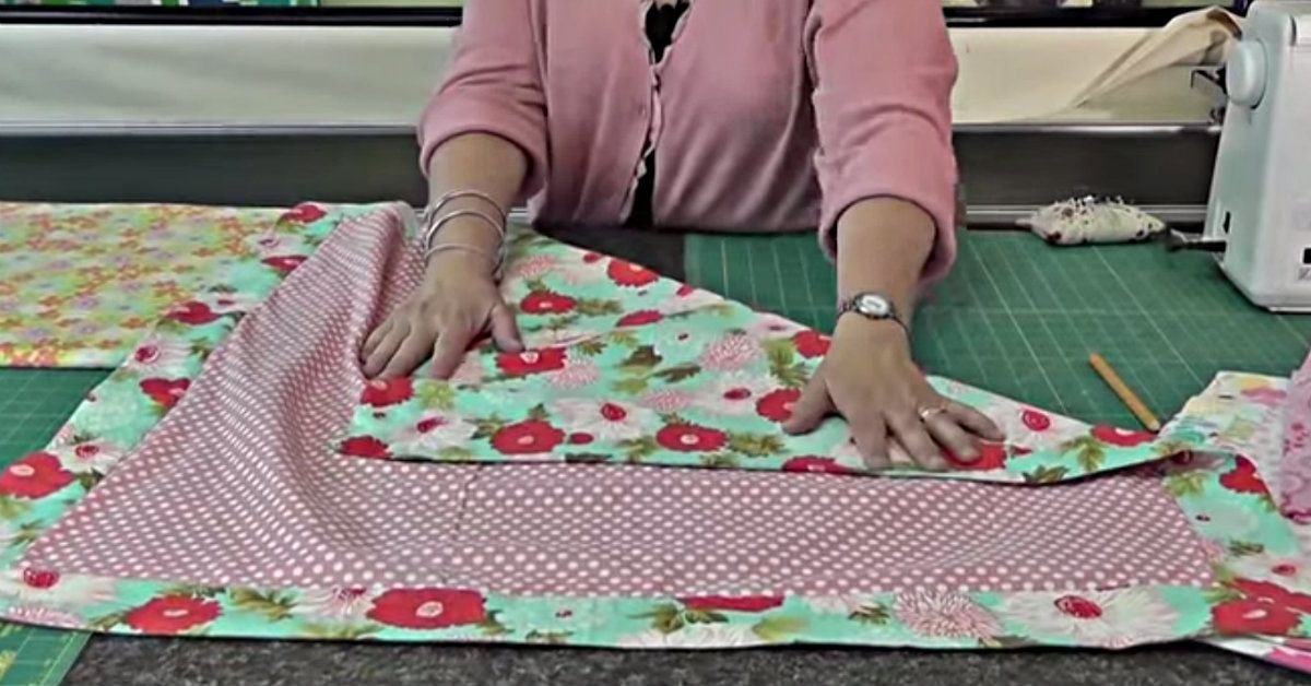 This Self Binding Baby Quilt Makes A Great Gift! Self