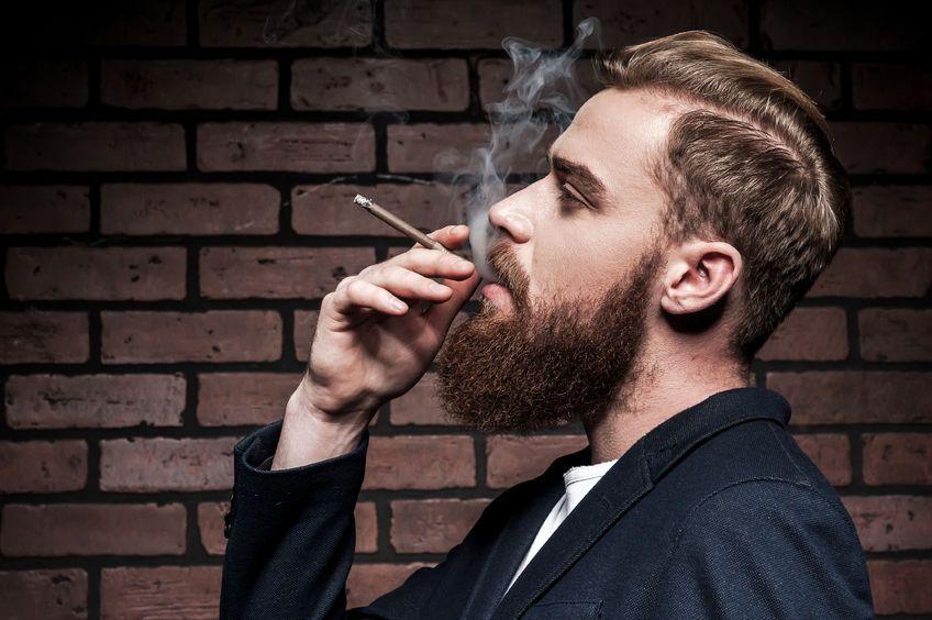 so entfernst du nikotin verf rbungen aus deinem bart barber trends pinterest rauchen. Black Bedroom Furniture Sets. Home Design Ideas