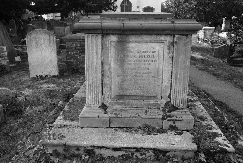 Arthur Nicoll mausoleum, churchyard, Hendon, London NW4, 28th Sept 2014