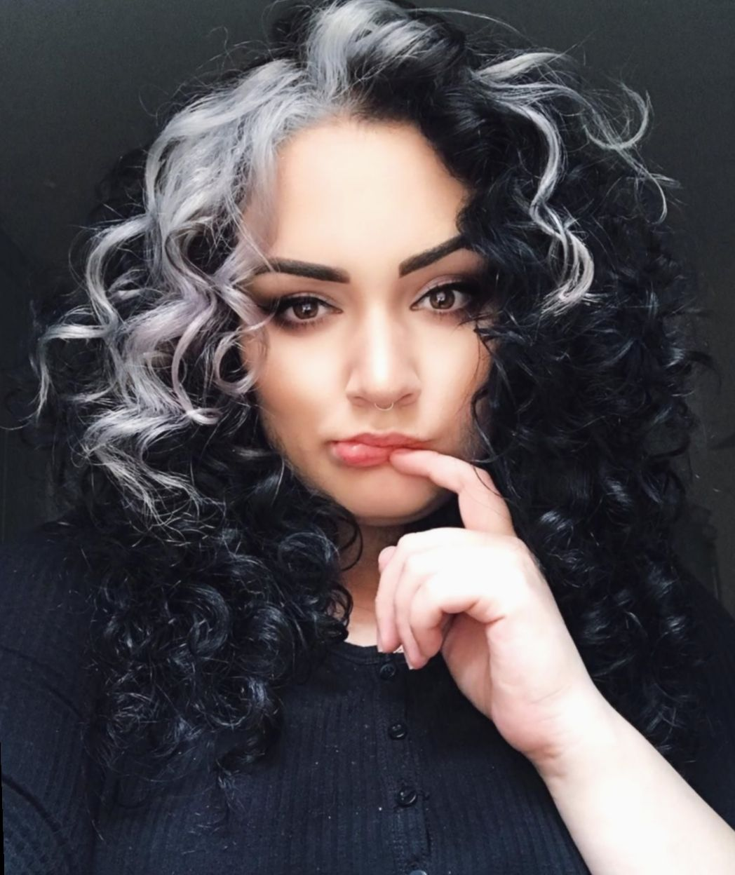 Hairstyles For Girls Videos Tomboy Haircut Waves Hairstyle White Streak In Hair Hair Streaks Hair Color Streaks