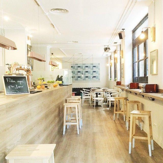 ¿En qué mesa desayunamos? En cualquiera del #CaféNolasco. Hay que #irdepropio hasta el fondo para decidirse... #irdepropiocafenolasco
