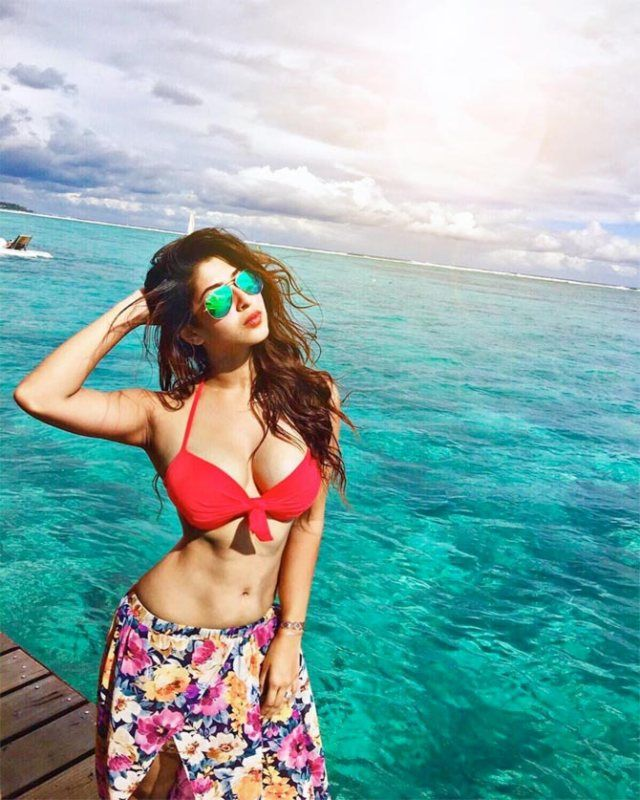 sonarika-bhadoria-Wallpapers-Hot and sexy | Sonarika