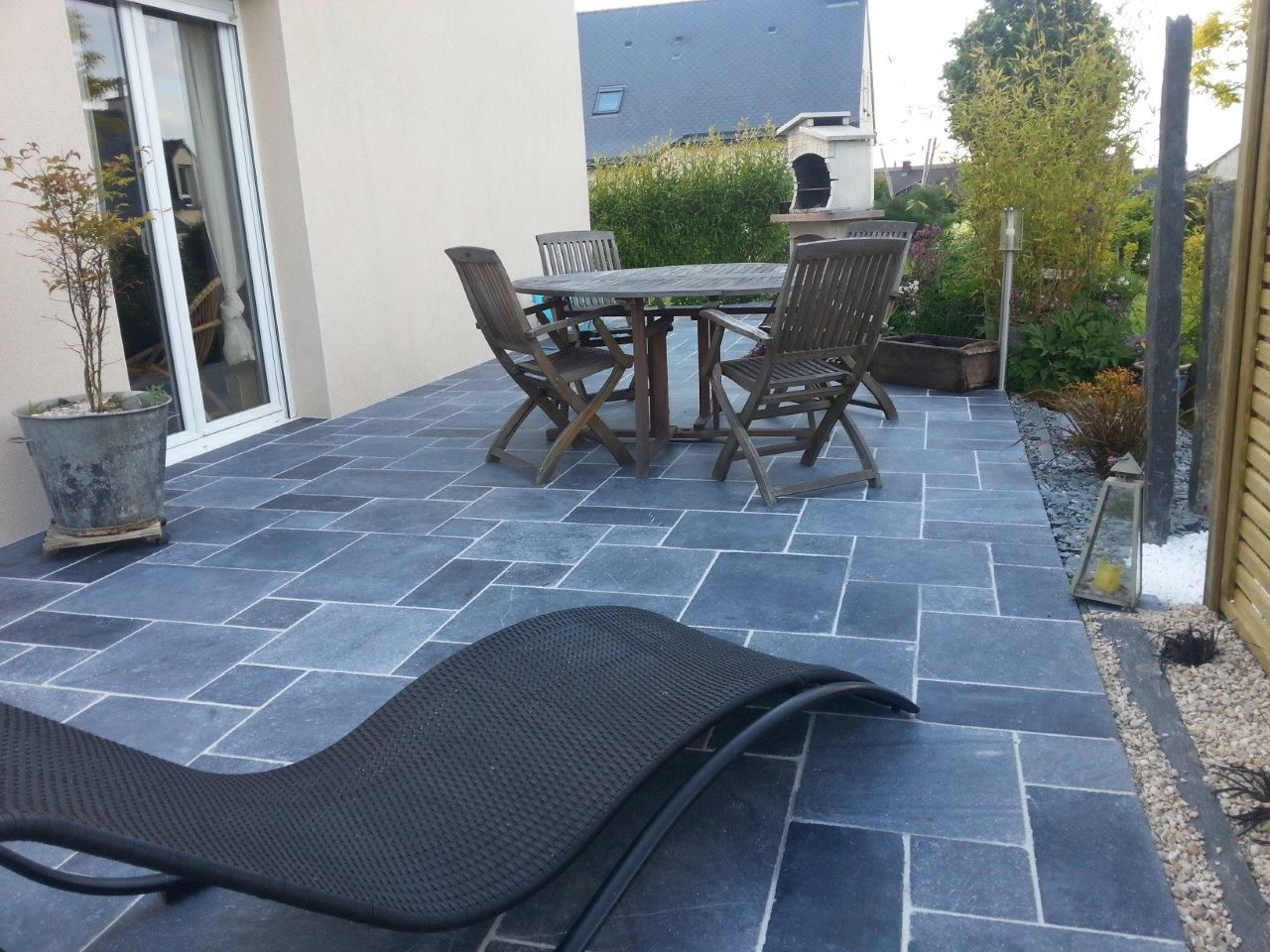 Terrasse pierre bleu en opus romain pierre bleue for Carrelage opus romain