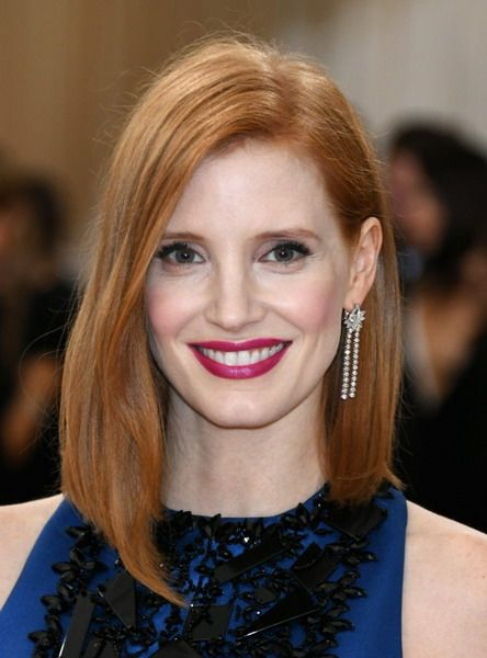 Jessica Chastain Is Wearing The Classic Long Bob With A Longer Front