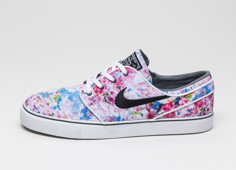 910515190b63 Nike SB Zoom Stefan Janoski Canvas PRM (Dynamic Pink   Black - White - Gm  Light Br)