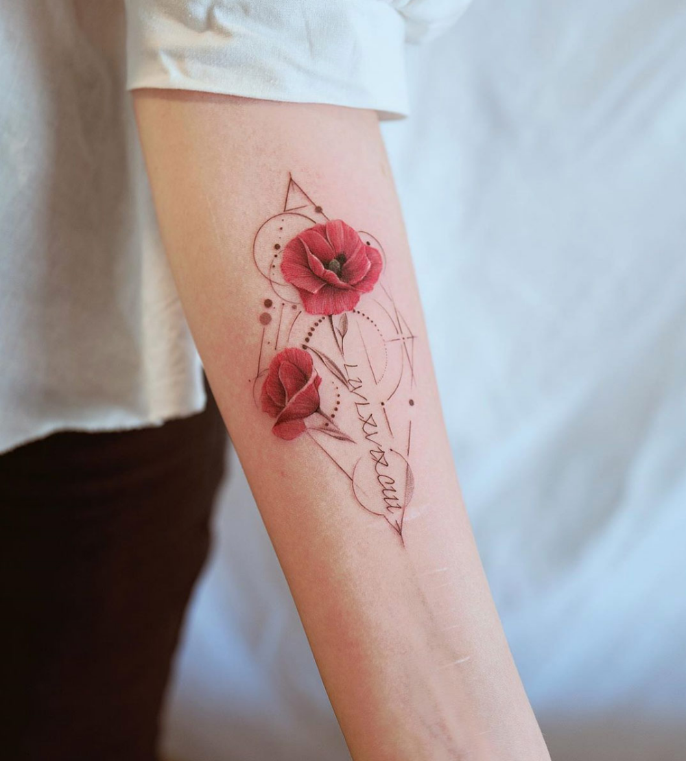Amazing Depth In This Flower Poppies Tattoo Poppy Flower Tattoo Flower Tattoo