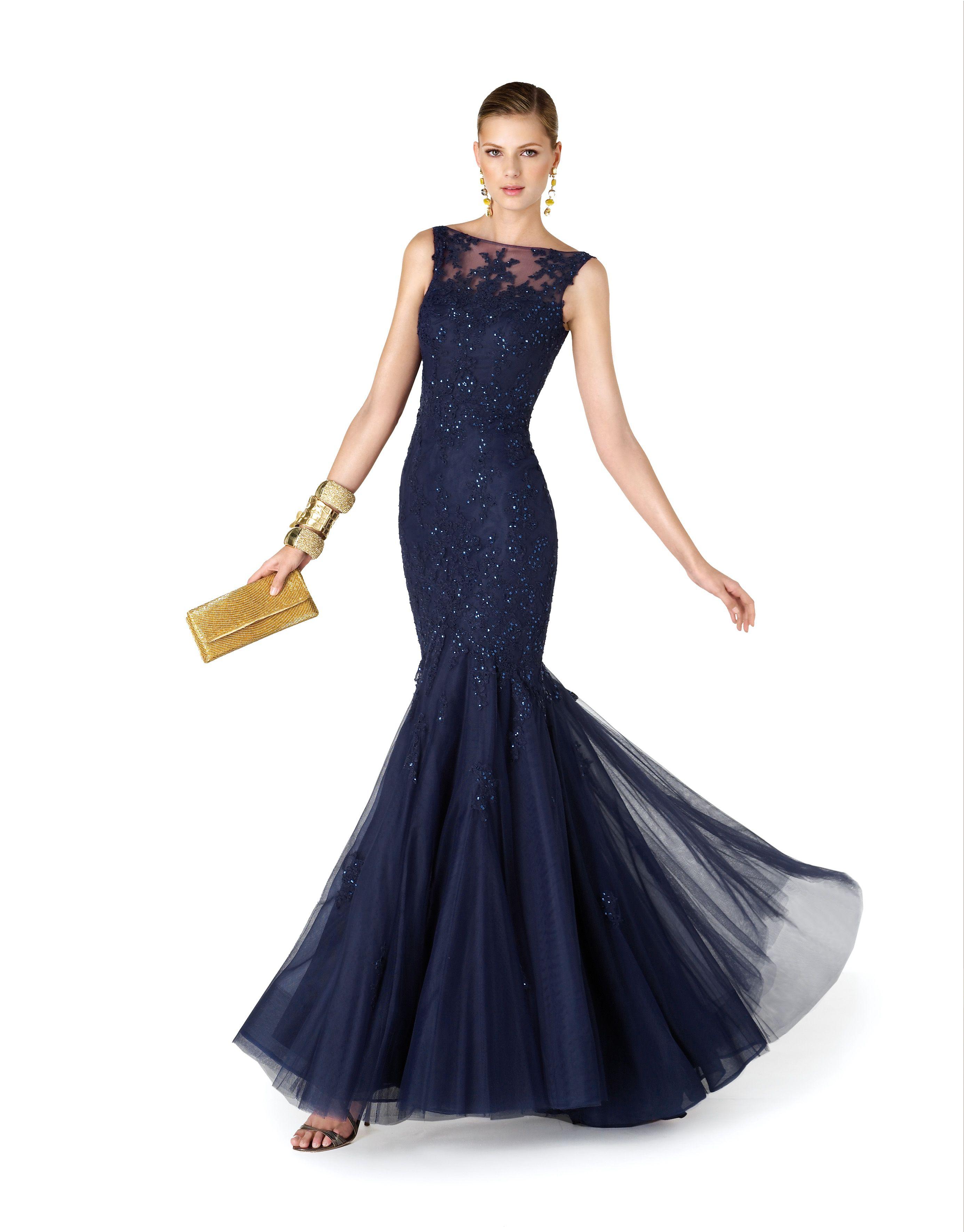 a9e41ea4b Vestido de fiesta azul marino, corte sirena, con pedrería y tul | colección  It's my Party de Pronovias Gown, attire,evening dress