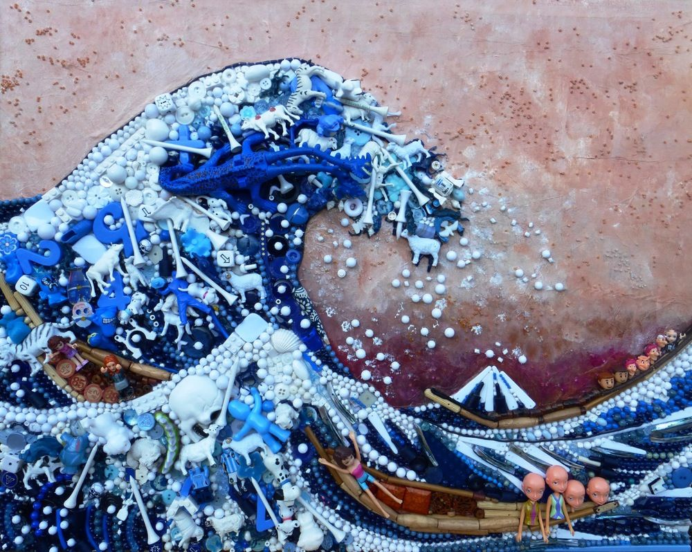 The Great Wave by Jane PerkinsConstruction of hundreds of ...