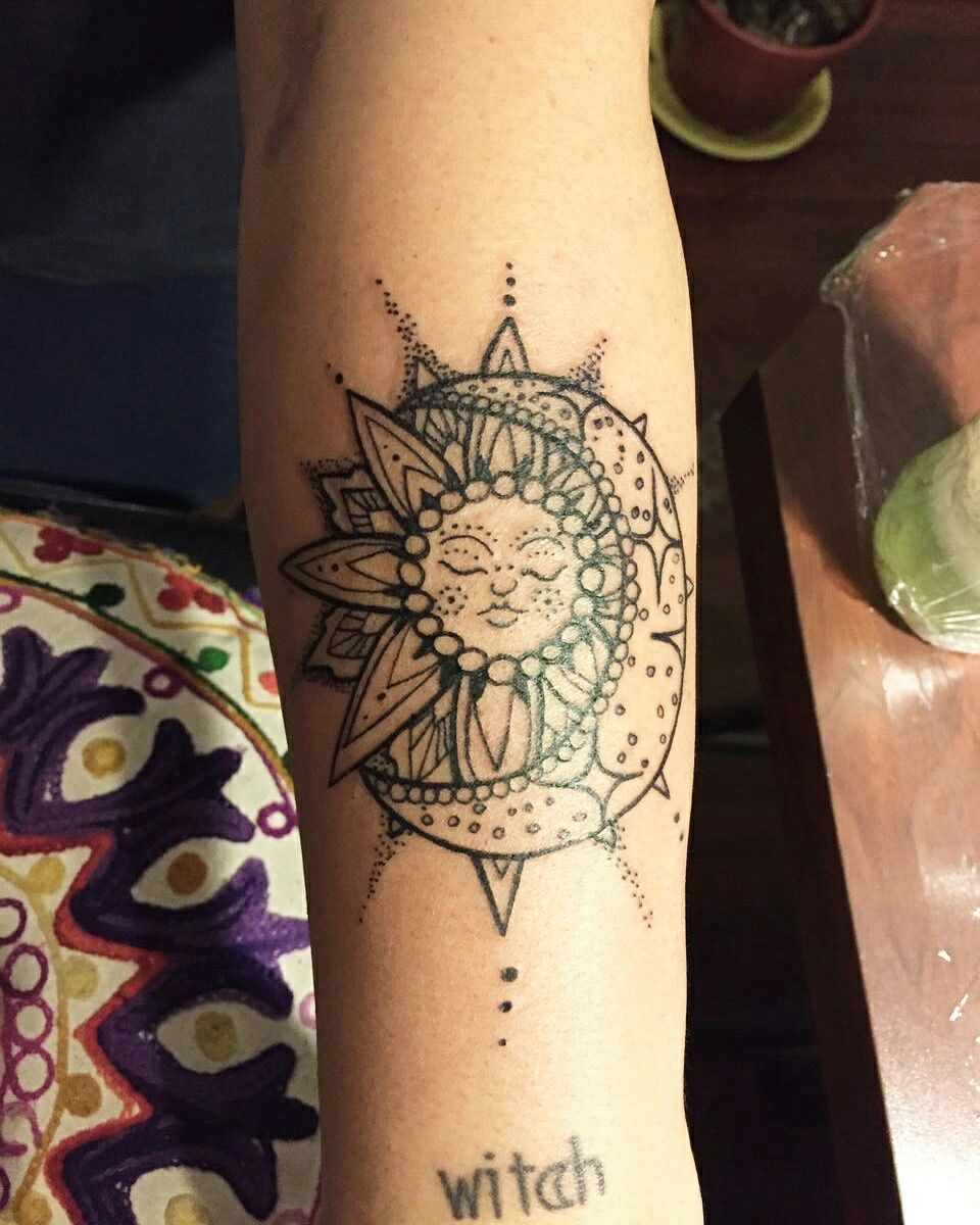 Sun/Moon tattoo … Sun henna tattoo, Moon tattoo