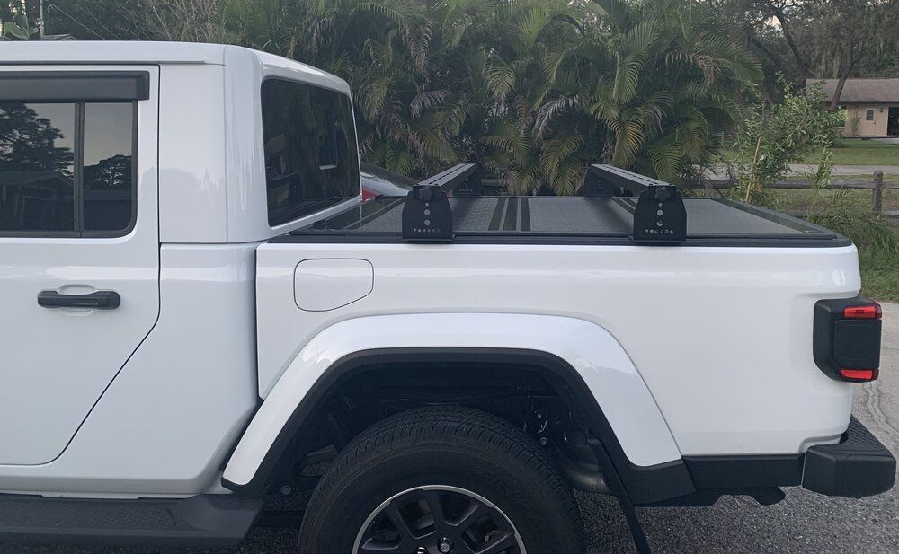 Jeep Gladiator Hi Rise Crossbars, for use with tonneau