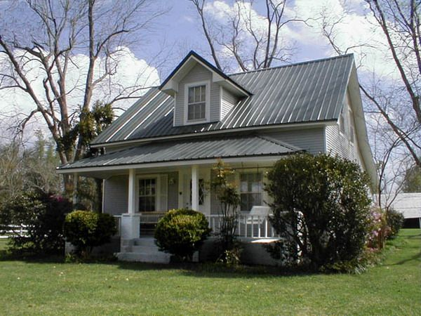 Farmhouse Style Wood House Pictures | The Basic Different From Two Main  Types Of Farm Houses