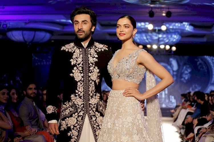Deepika Padukone Ranbir Kapoor Back Together On Screen Indian Wedding Outfits Indian Reception Outfit Manish Malhotra Bridal