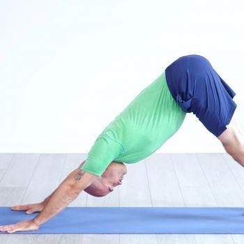 pinmarie duvanced on yoga  beginner yoga class yoga