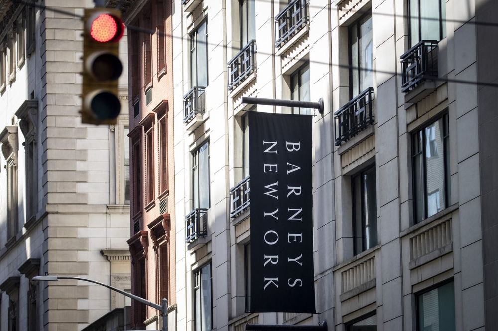 Barneys Nears Bankruptcy Filing With Plans to Close Most