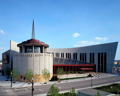 Nashville S Country Music Hall Of Fame The Architecture Of The Building Is A Distinctive Facade Designed To Look Like A Nashville Trip Nashville Tennessee Usa