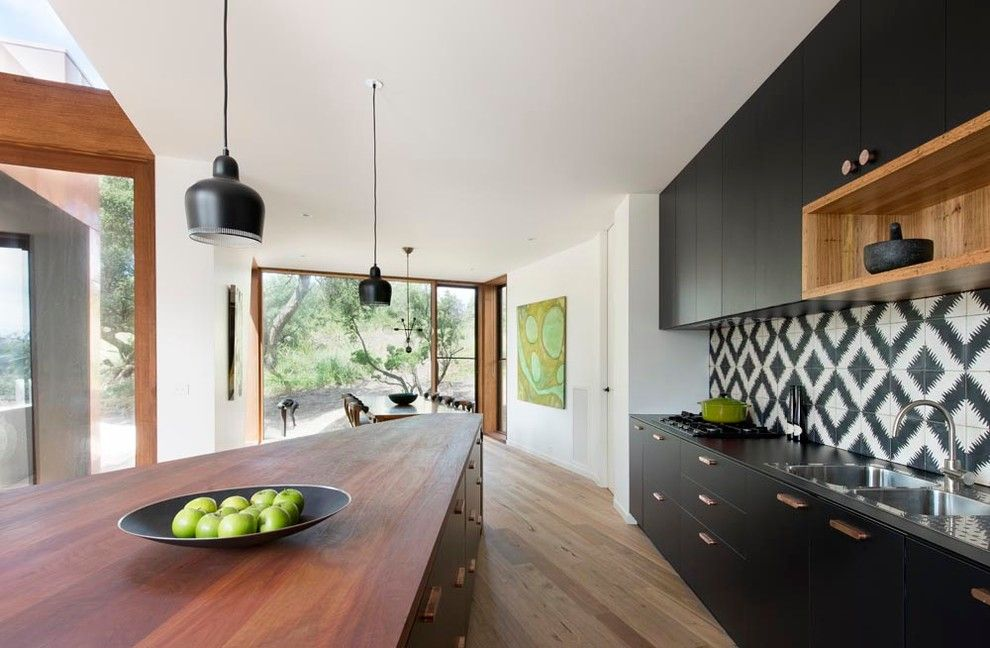 black and white kitchen tile bluff house by auhaus architecture