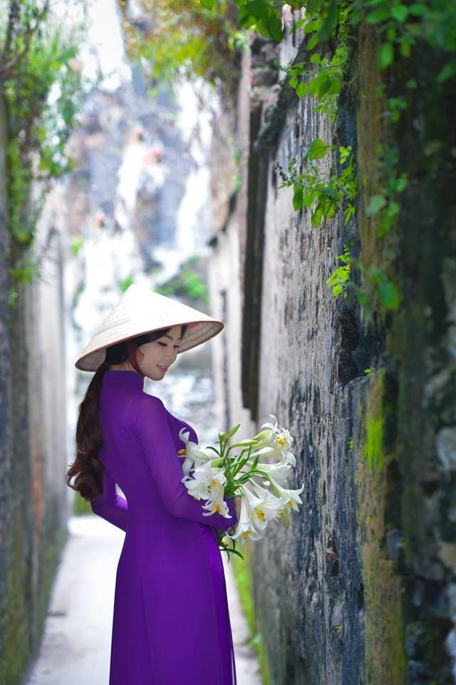Tan chảy vì thiếu nữ Hà Nội chụp ảnh áo dài bên hoa loa kèn - Thời trang - Báo Phụ nữ