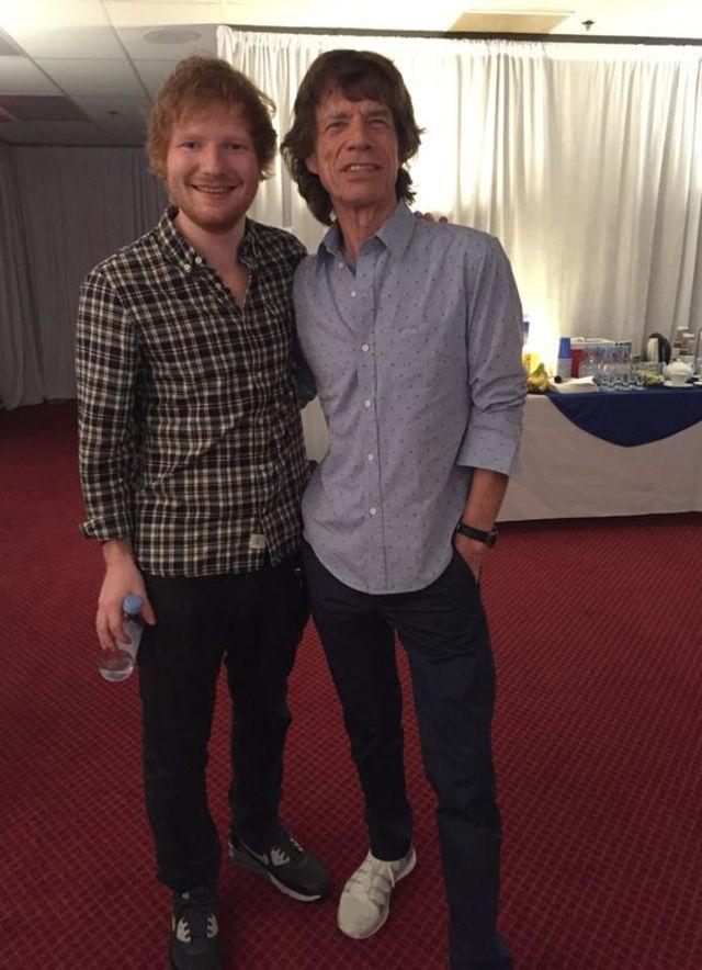 Mick también está encantado con Ed: