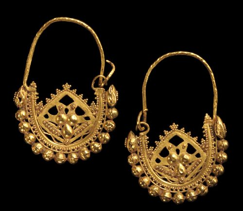 Byzantine Gold Hoop Earrings Decorated With Granulation Dated To The 6th 7th Centuries Ce Found On Royal Athena Galleries