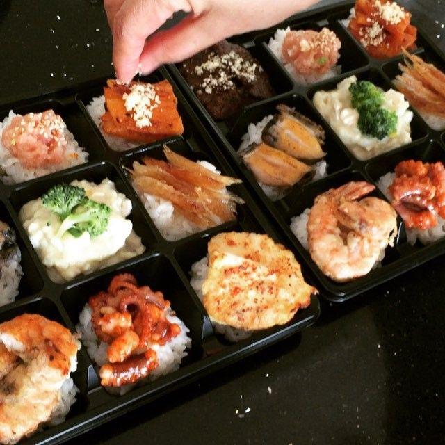 Making of Korean Style Lunch Box. by Suhran.  #kfood #suhran #koreanfood #koreanfoodart #hansik #food #beauty #foodart #foodartist #koreanculture #korean #foodart #korea #beautifulfood #박서란 #한식 #요리연구가#lunchbox