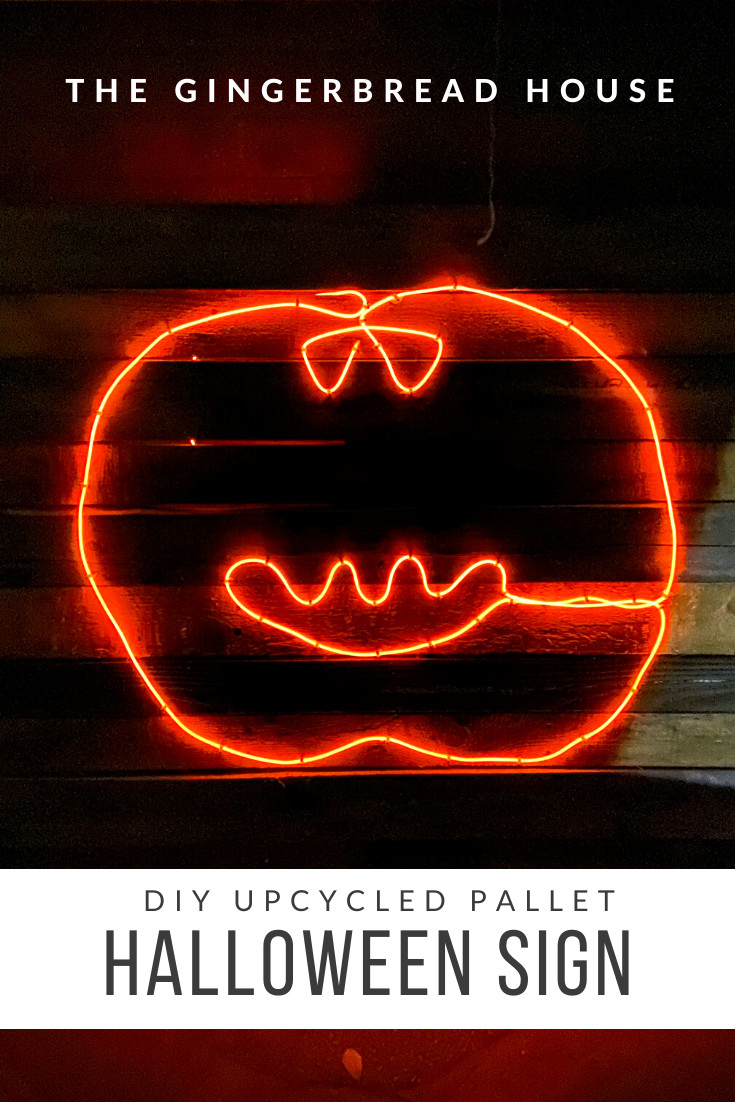 DIY upcycled pallet Halloween sign - the-gingerbread-house.co.uk #oldpalletsforcrafting