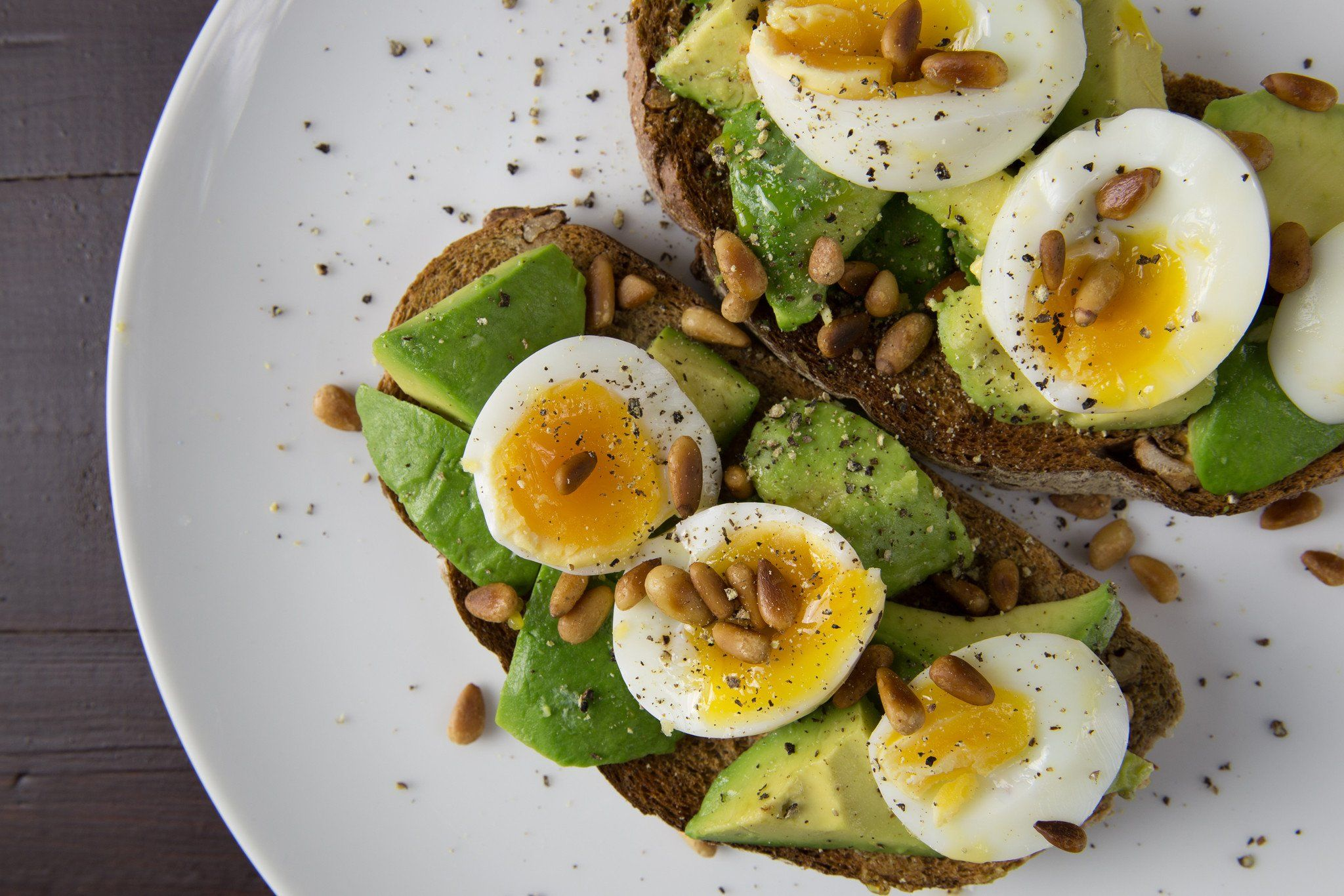 Avocado, Eggs & Toast This is definitely my favourite go-to recipe. Avocado, eggs and toast combo w