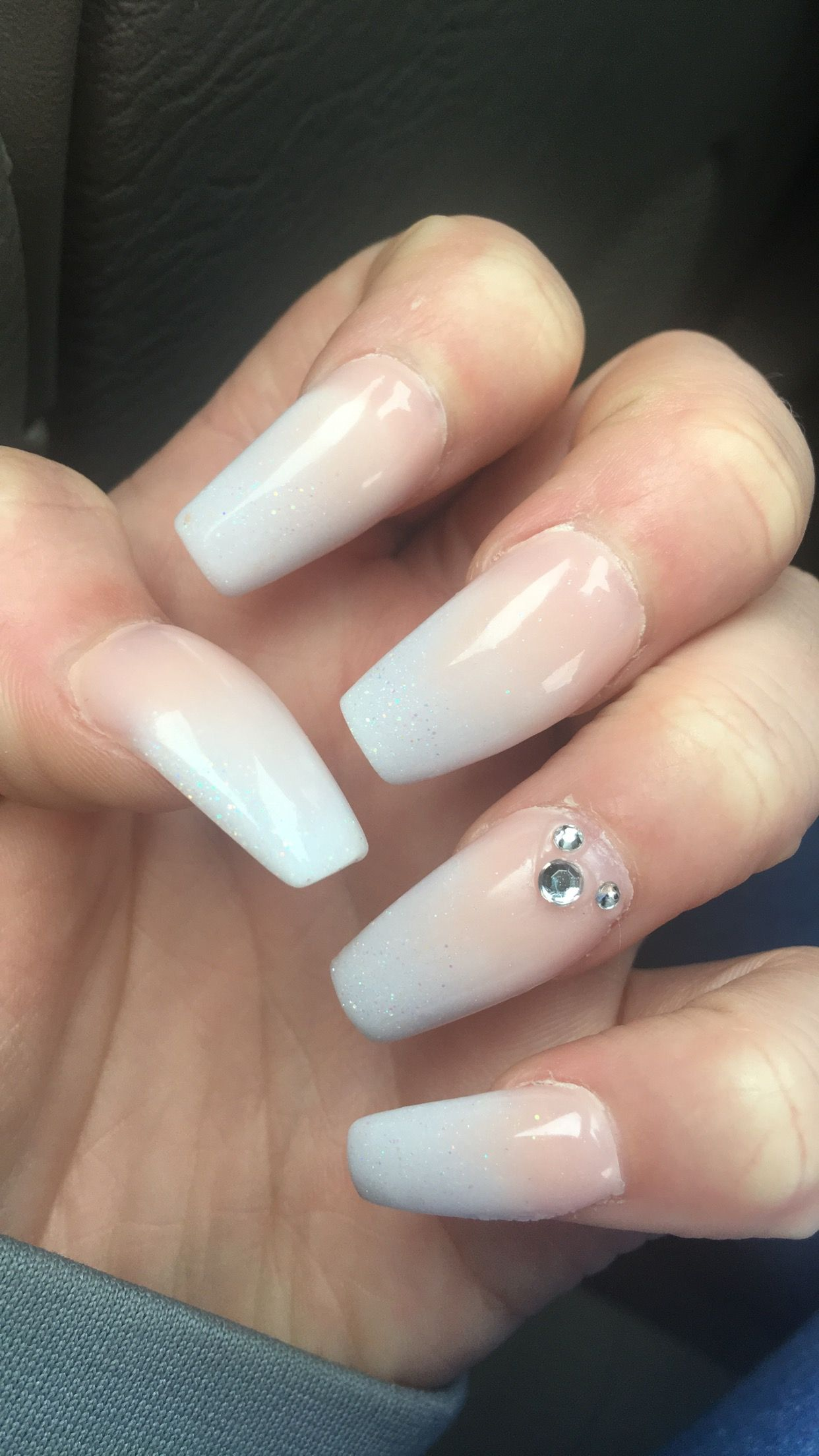 Ombré French tip with see through glitter (Cinderella