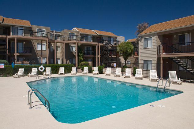 Overlook At Pantano Apartments Resort Style Pool In Tucson Arizona Resort Style Pool Resort Tucson Az