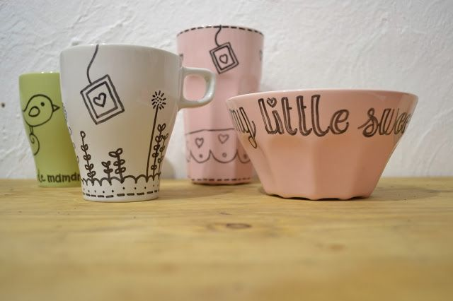 diy id e cadeaux de no l de derni re minute les mugs personnalis s mugs peints painting. Black Bedroom Furniture Sets. Home Design Ideas