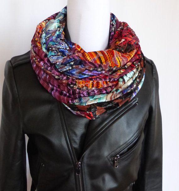 Polina Couture - Snood   écharpe imprimé en effet patchwork. Magnifique  jersey fin, impression 6a6a33aa5c1