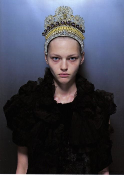 sasha pivovarova//crown